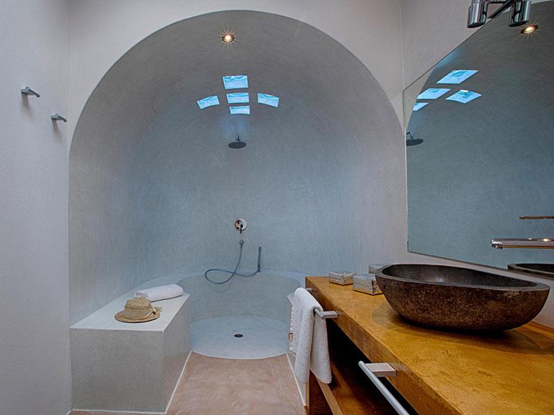 モールテックス施工事例|円状のシャワールーム、壁、床