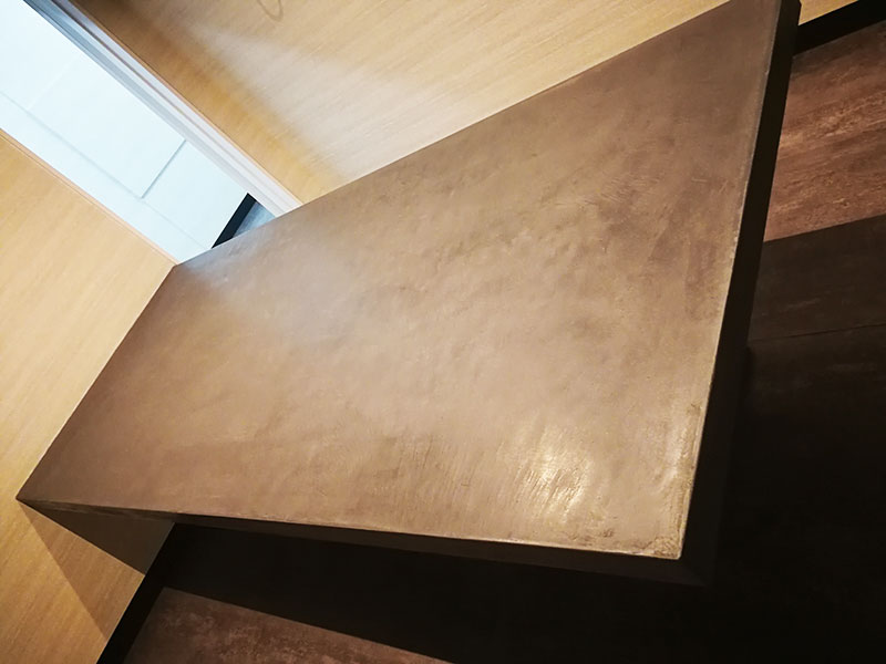 事務所用テーブル3(塚本左工)|モールテックス施工事例